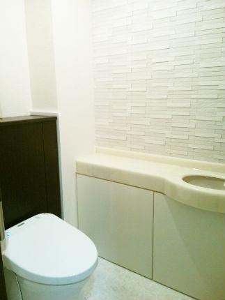 エコカラット グラナスルドラで高級感あふれたトイレ空間  宝塚市