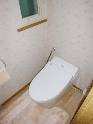 TOTOネオレスト 可愛い花柄クロスのトイレ空間 宝塚市