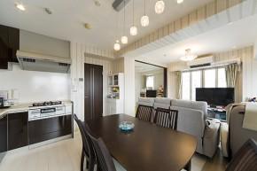 キッチンの位置を移動し、開放的になったリビングダイニング 神戸市