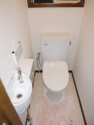 トイレにセレクトシリーズの手洗いカウンターを新設 宝塚市