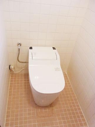 パナソニック「アラウーノS」でスッキリとしたトイレ空間 宝塚市