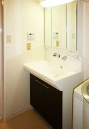 ノーリツキューボの壁水栓タイプでお手入れしやすい洗面化粧台 神戸市東灘区