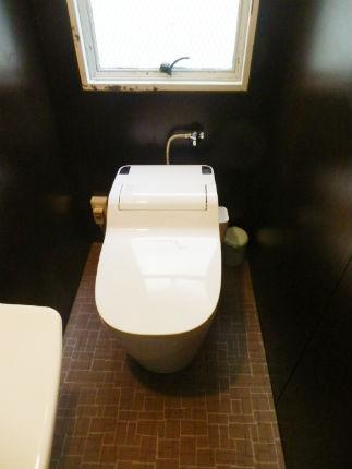 サニタリーパネルとアラウーノSでお掃除が簡単なトイレ 神戸市