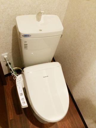 タイル貼りからお掃除しやすいクッションフロアのトイレに 大阪狭山市