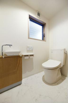汚れが付着しにくい自浄力のあるトイレ ピュアレストQR  宝塚市