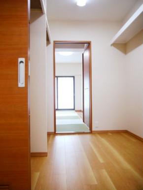 2部屋から行き来が出来るウォークインクローゼット 大阪市都島区