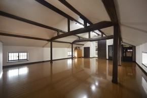 古民家を改装した開放的なご夫婦の書斎室 堺市