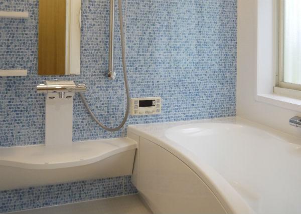 毎日のリラックスタイムを演出するサウンドシャワー付きのお風呂