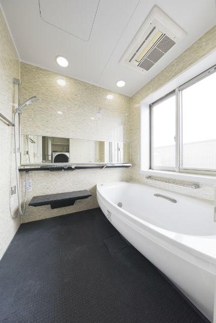 浴槽のサイズアップとマイクロバブルで癒しのバスタイムを