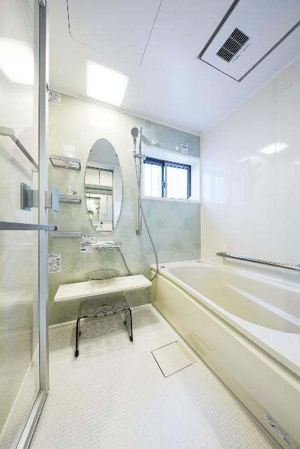 新設した浴室を上品さ感じるホテルライクな空間へ