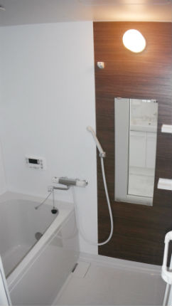タイル貼りお風呂からLIXIL クリエモカの「BP」に広々改装