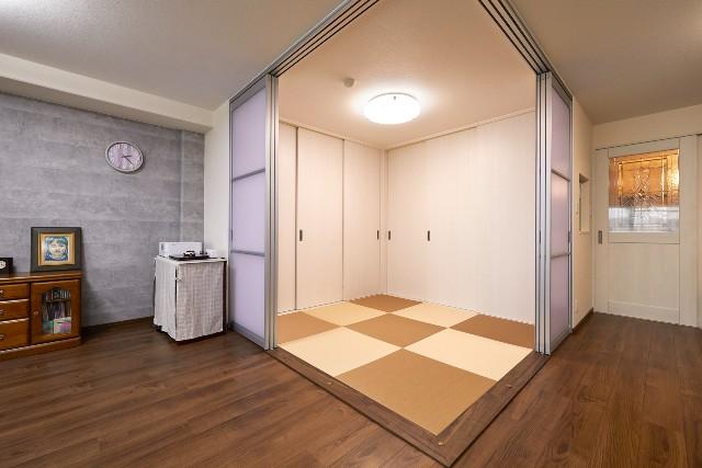 アルミフレームの室内引戸でお洒落な和室空間