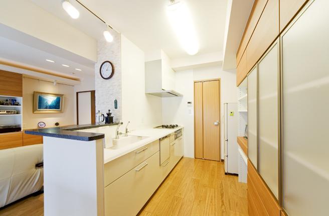壁面収納が豊富なキッチン クラッソ