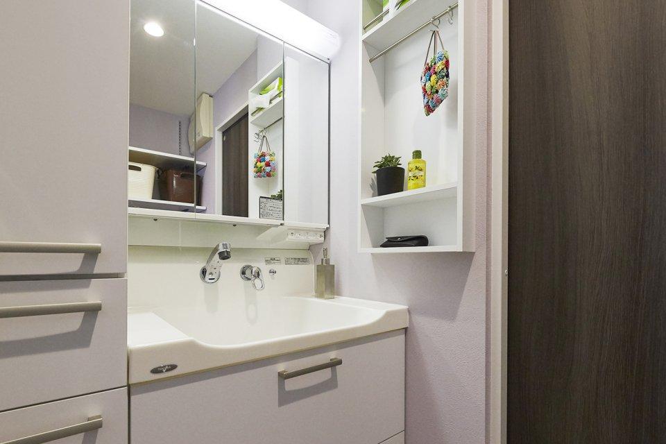 アンティーク調タイルのクッションフロアが可愛い洗面化粧室