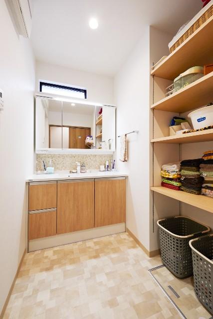 収納、身支度、家事が快適な洗面脱衣室