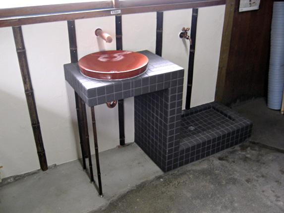 築百年の日本家屋に合わせた和風造作洗面