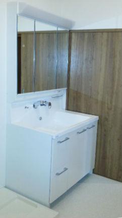 キューボのシンプルモダンな洗面台