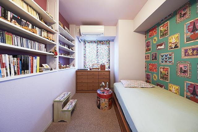 ナタリーレテのアクセントクロスで海外の子供部屋のような可愛いお部屋に