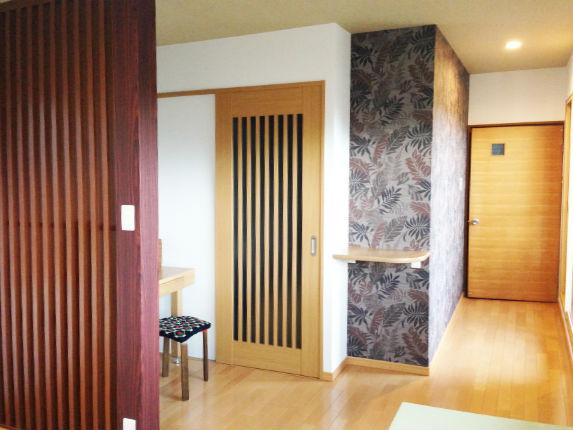 収納と寝室を両立させたアジアンテイストな空間