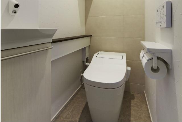 タンクレストイレ【アラウーノS2】とエコカラットで快適なトイレ
