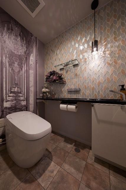 外国にいるような非日常のトイレ空間