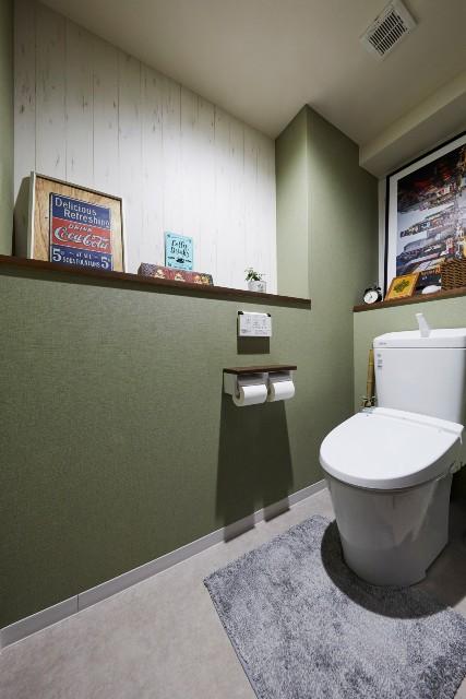 間取りを見直して便利になったカウンターのあるトイレ空間